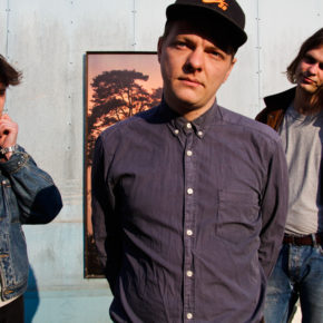 DUNE RATS' RATBAG RECORDS ANNOUNCE NEW SIGNING  WITH DANISH TRIO, MOLLY!
