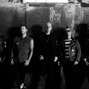 AVENGED SEVENFOLD  TO GIVE GLOBAL 3D/360-DEGREE LIVE-STREAM-PERFORMANCE TOMORROW!