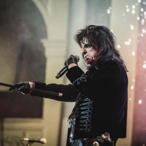 [LIST] 5 FACTS ABOUT ALICE COOPER