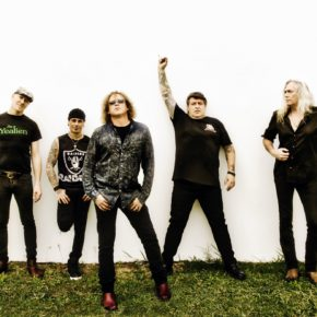 [INTERVIEW] WE'VE GOTCHA COVERED: DAVE GLEESON ON 30 YEARS OF THE SCREAMING JETS, THE NEW COVERS ALBUM AND FUTURE PLANS